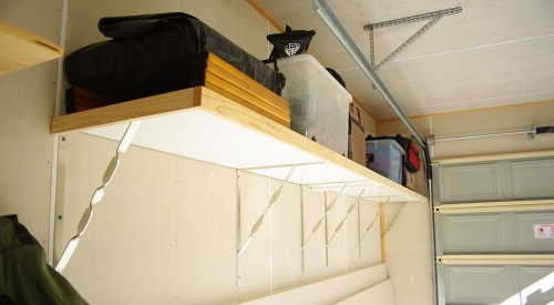 Easy and Cheap Garage Storage Shelf Solution
