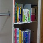 Using Bookends to help Organise our Kids Bookself