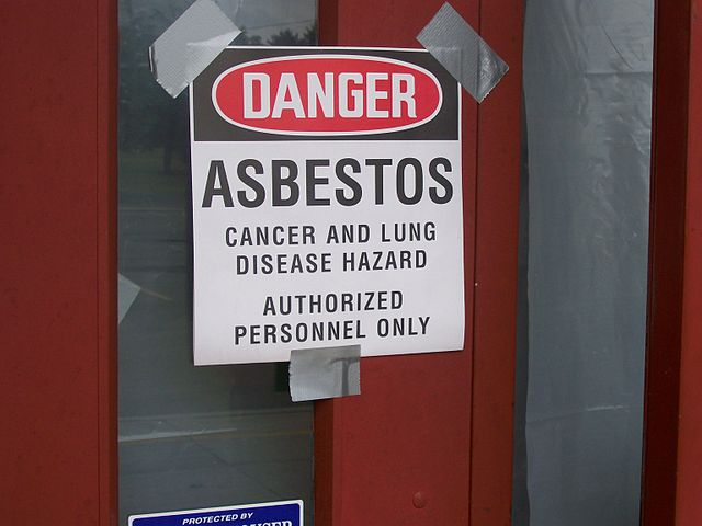 Danger-warning-for-Asbestos